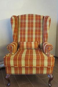 """Частный интерьер, английское кресло с ушами в итальянском шенилле """"Шотландка"""""""