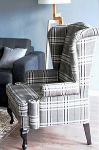 Частный интерьер, английское кресло в клеточку
