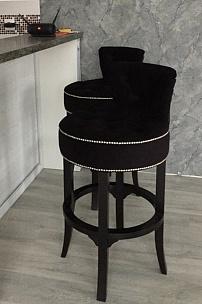 Частный интерьер, барные стулья Вельвет