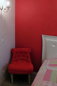 Частный интерьер, будуарное кресло с каретной стяжкой
