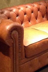 Частный интерьер, диван Честер в натуральной коже