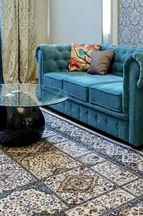 Диван Честер. Голубой диван в интерьере