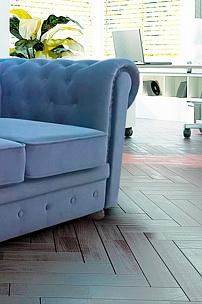 Голубой диван Chester для офиса