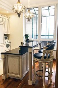 Интерьер кухни. Винтажный барный стул Колумб