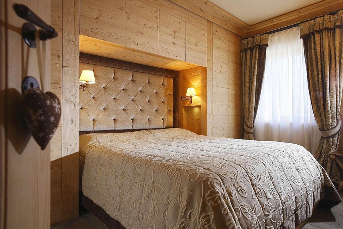 Дизайн спальни в доме своими руками