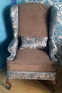 Кресло с ушами для частного интерьера