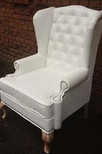 Мебель для оформления фотозоны. Кресла в классическом стиле