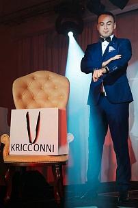 Мебель для презентации мужской коллекции бренда «Kricconni»