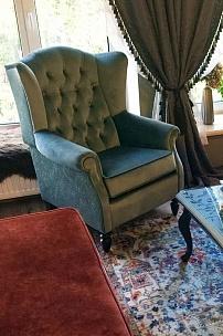 Мебельная композиция в классическом стиле: диван Честер, кресло Лорд, стол Марокко